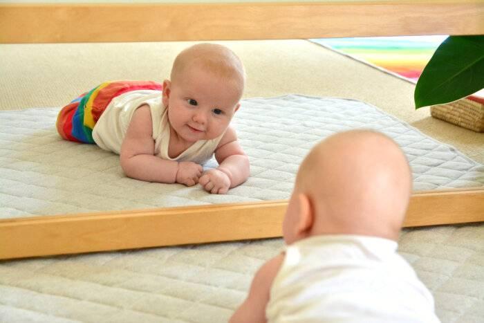 Как научить ребенка ползать. полезные советы