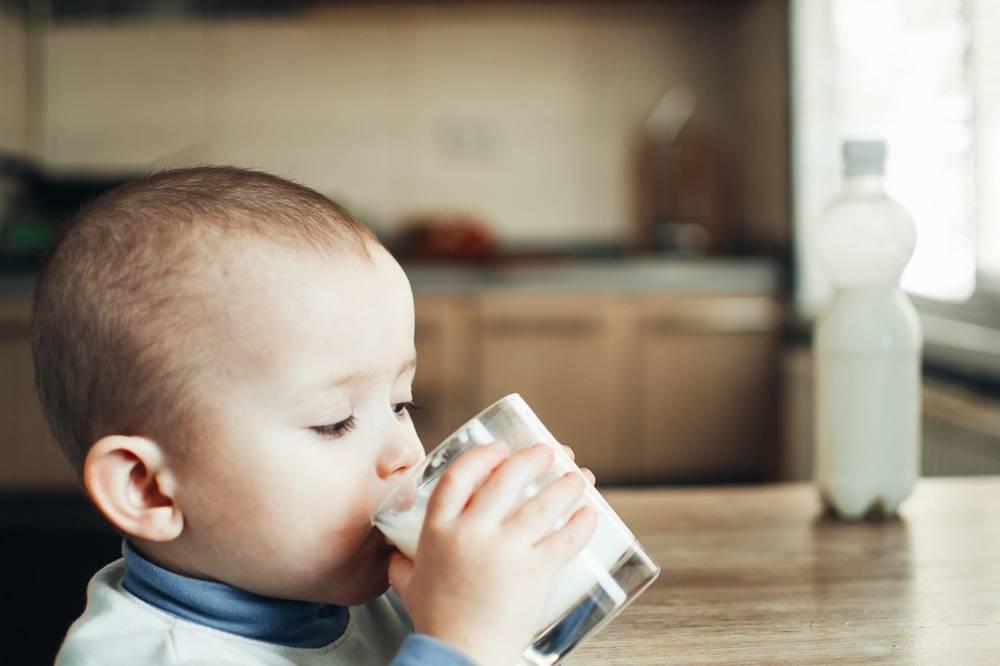 Аллергия на молоко у детей: причины покраснения и зуда кожи