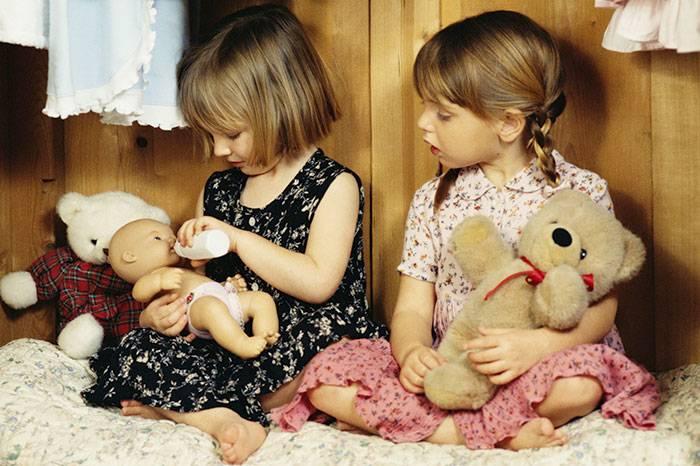 Детская ревность старшего ребенка к младшему: советы психолога