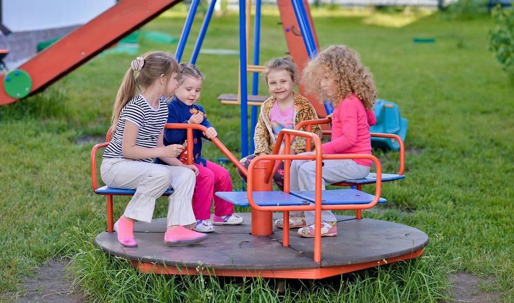 Как выбрать детский комплекс для дачи — чек-лист покупателя