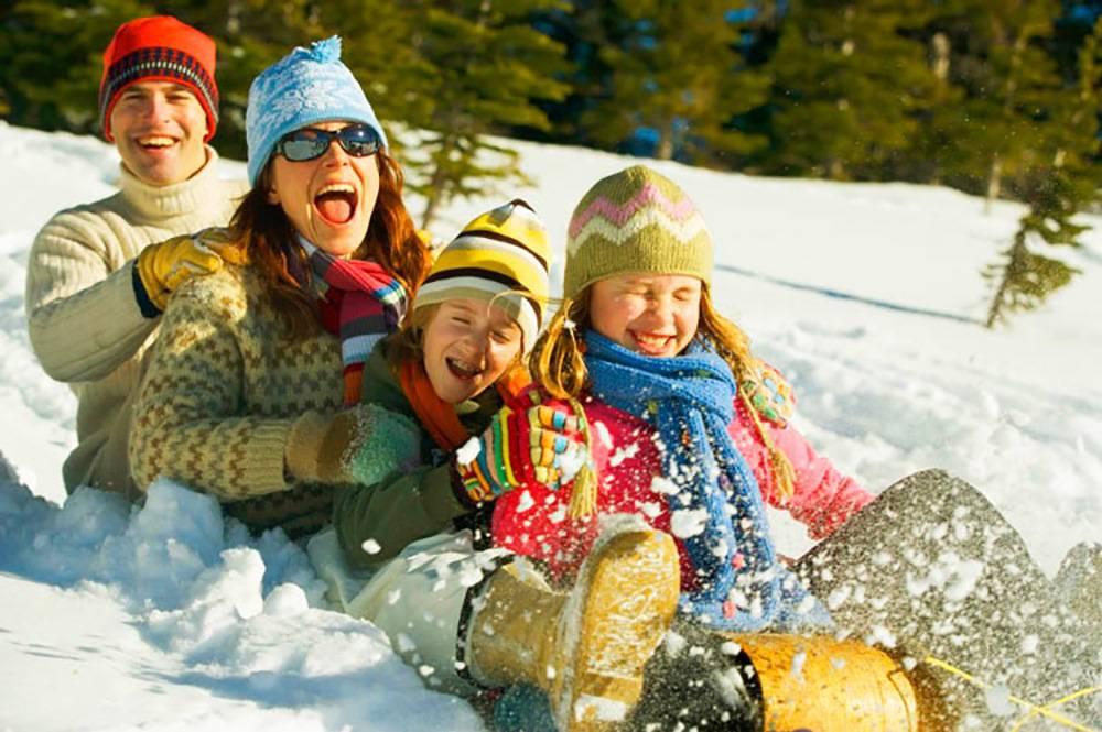 10 способов интересно провести новогодние каникулы с семьей | бебинка