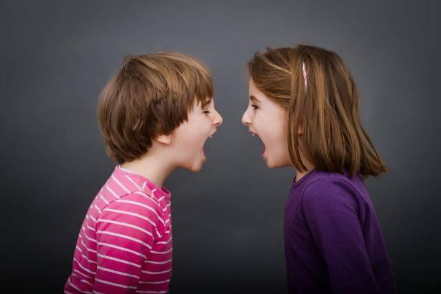 Детская ревность при рождении второго ребенка: советы психолога