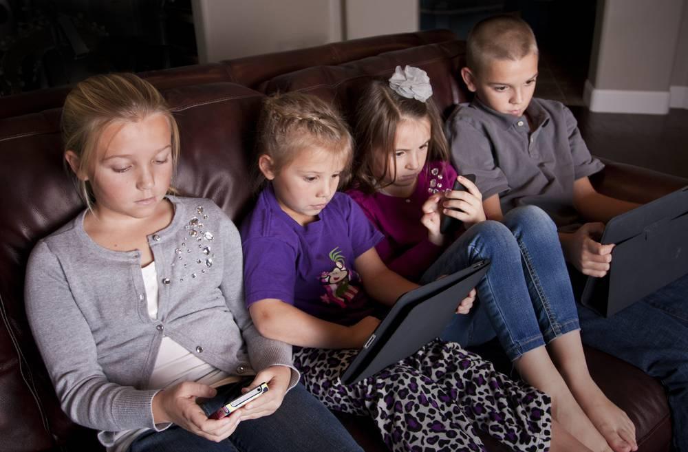 Влияние современных гаджетов на детей: плюсы и минусы