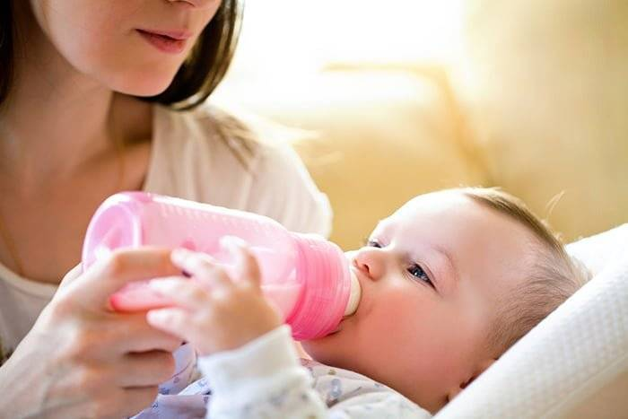 Когда появляется молоко после родов