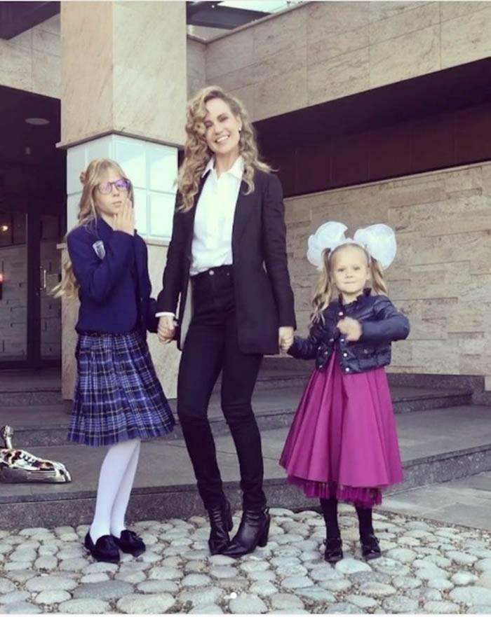 Что надеть маме или учительнице 1 сентября: 7 элегантных образов | trendy-u