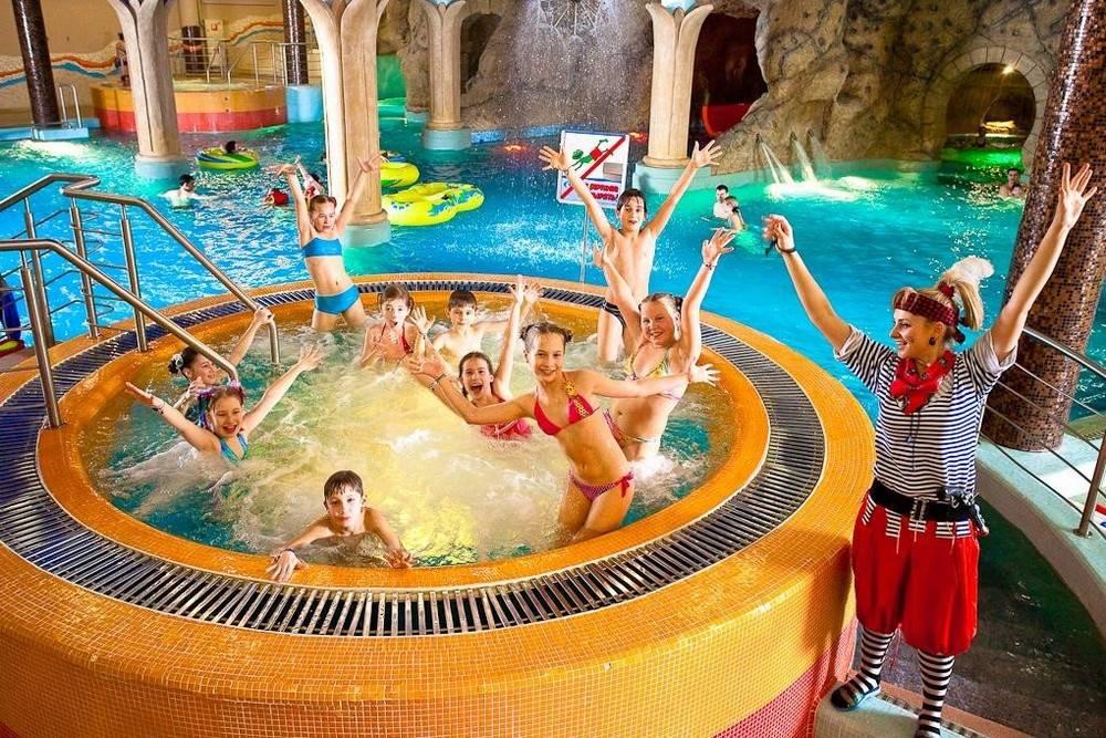 Сколько стоит билет в аквапарк в москве