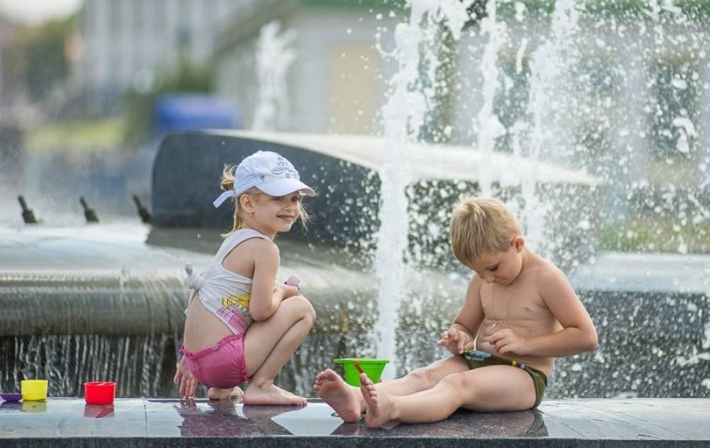 Как помочь ребенку пережить жару