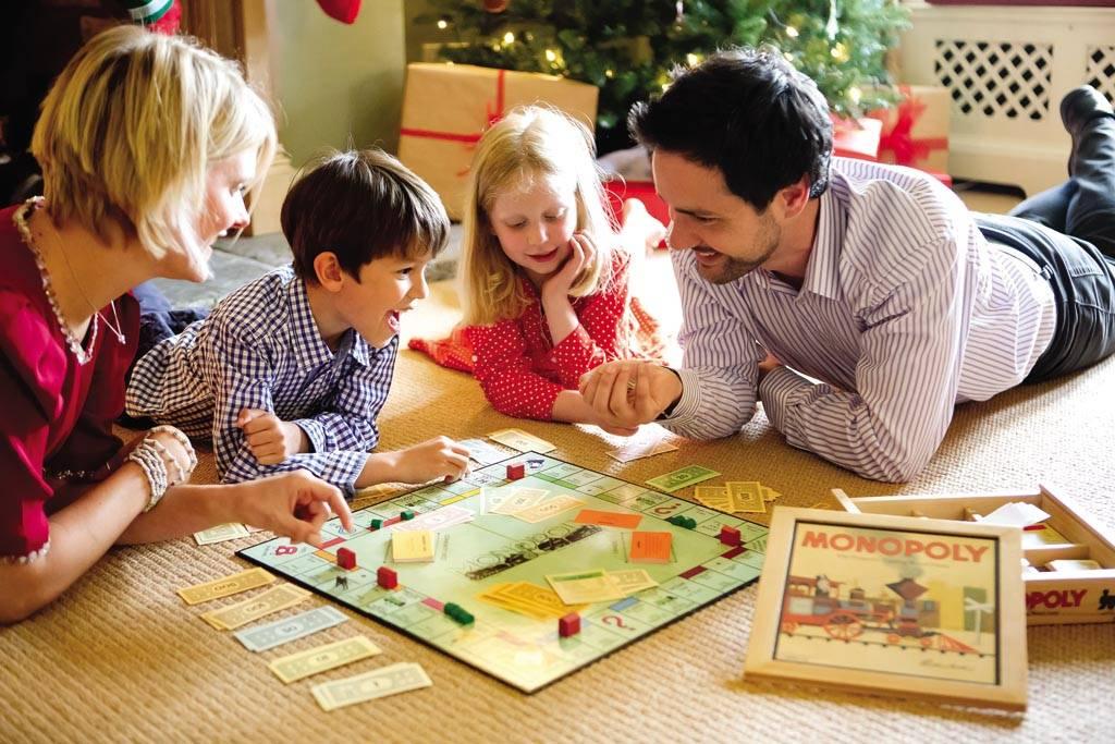 Как весело встретить новый 2021 год с детьми дома: лучшие идеи, сценарий, конкурсы и игры
