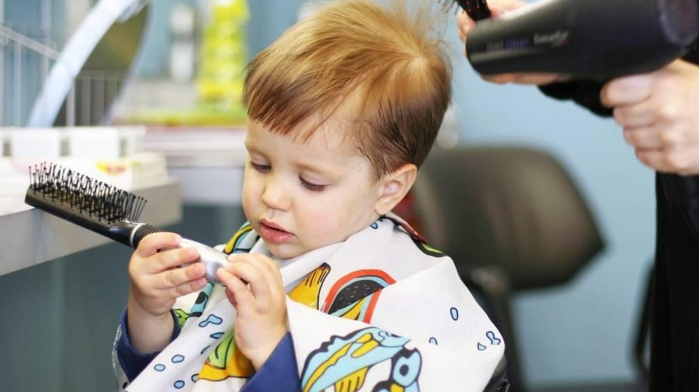Стричь ли волосы ребенку в год: мифы, поверья, мнения