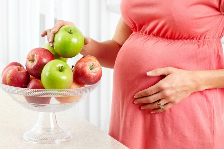 «тошнило открышечки воды». из-за токсикоза вовремя беременности белоруска похудела до40кг