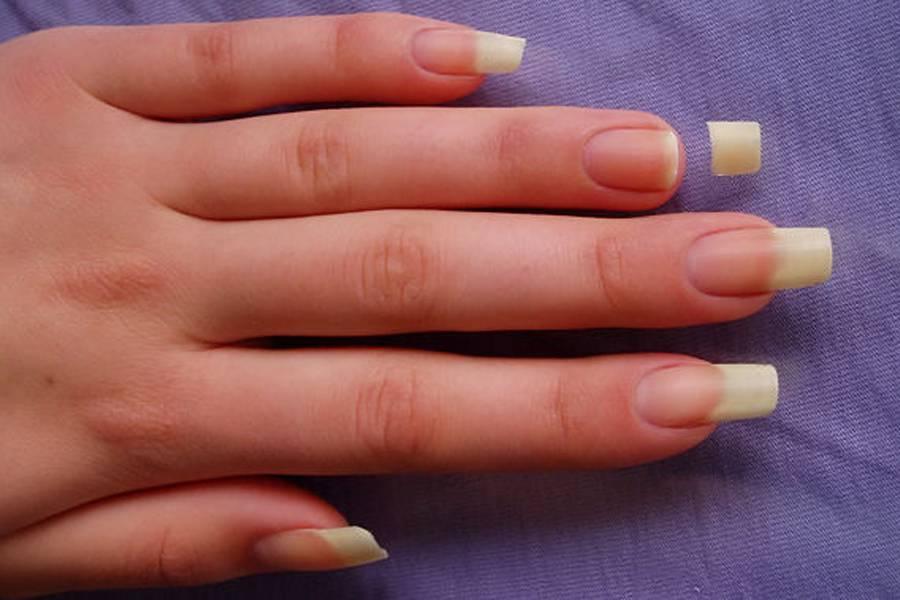 Можно ли наращивать ногти при беременности