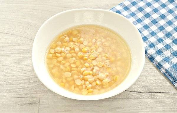 Когда начинать кормить ребенка гороховым супом