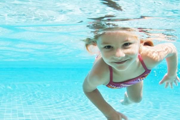 Секция плавания для детей: во сколько лет ребенку можно заниматься спортом