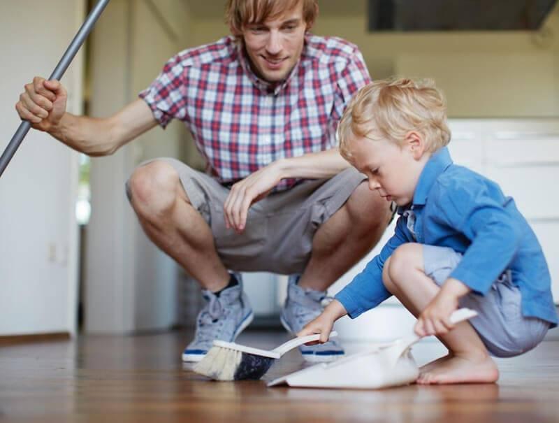 Помощь по дому: что можно поручить детям? список обязанностей по возрастам