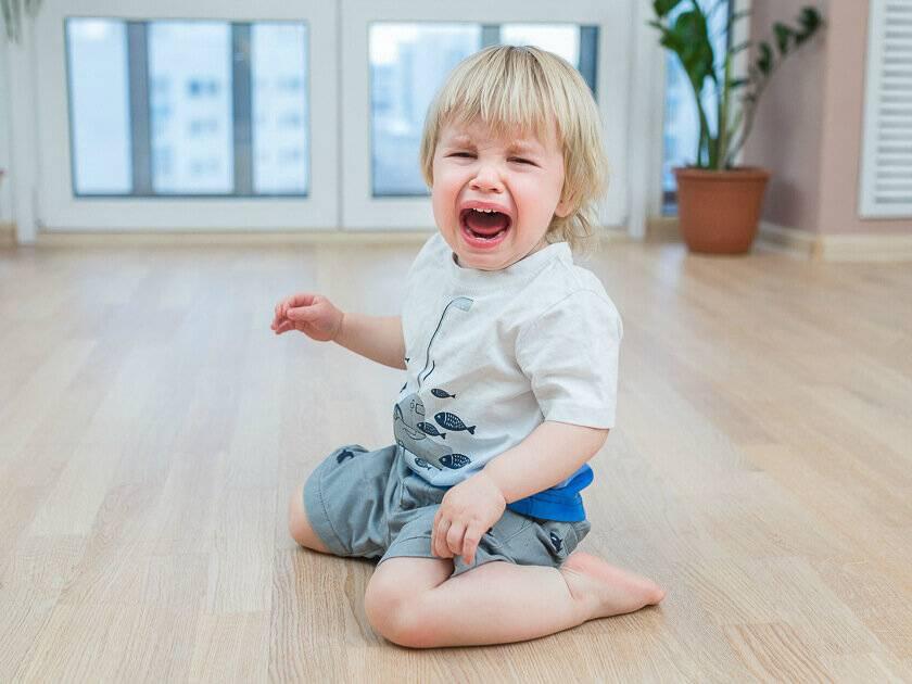 Малыш упал с пеленальника: опасна ли травма?