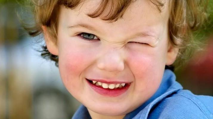 Что делать если ребенок моргает часто
