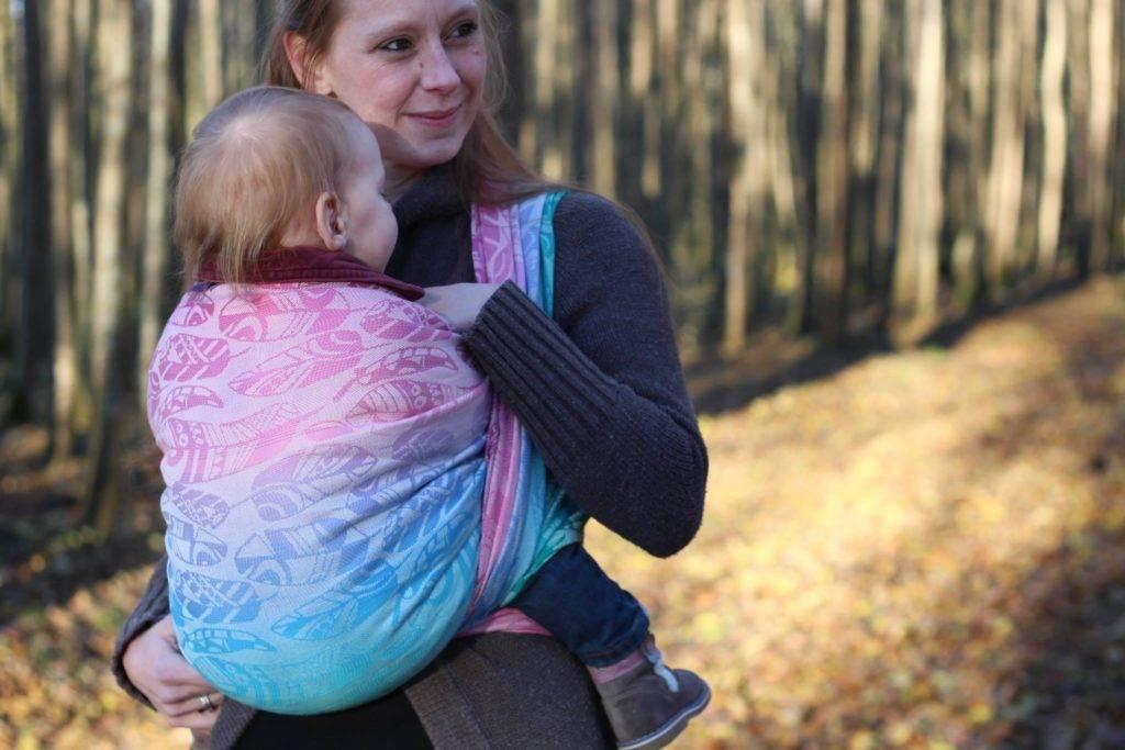 Первые дни с новорожденным: как носить ребенка в слинге и зачем лежать с ним рядом. наш ребенок.