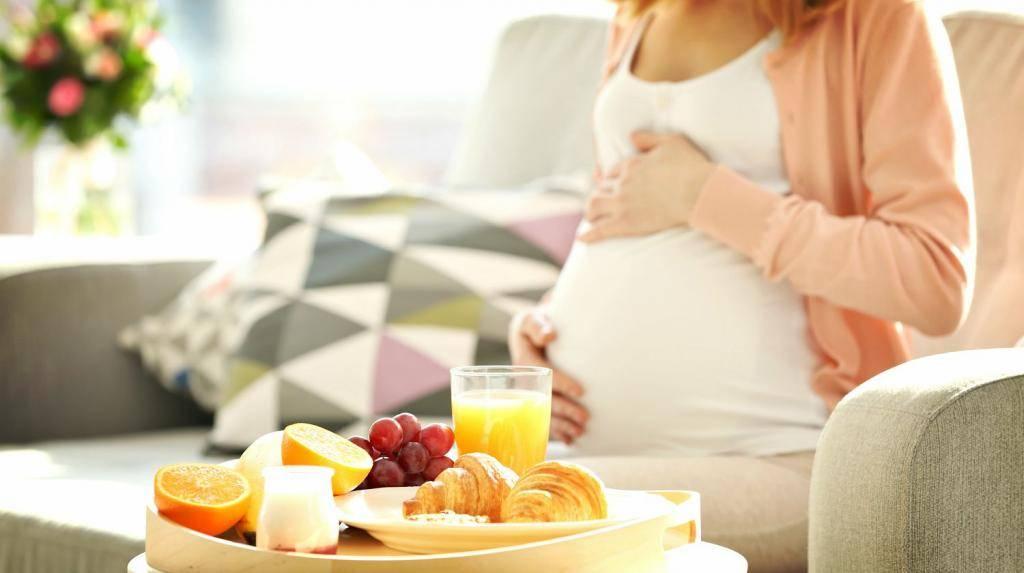 Питание в первом триместре беременности: что можно, а что нельзя?