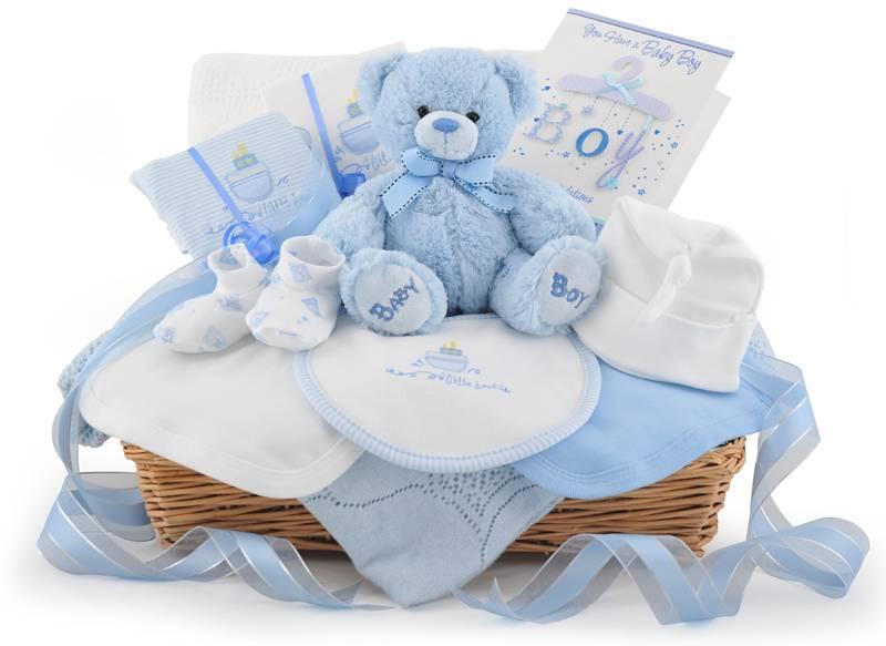 Подарок на выписку из роддома для мамы и ребенка — 35 практичных идей