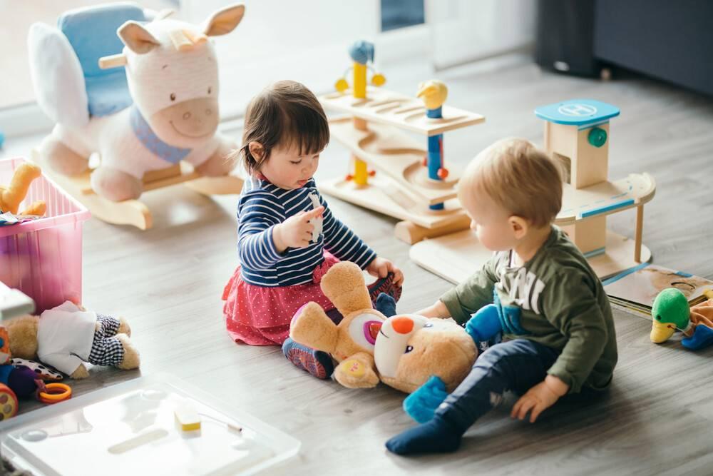 Должен ли ребенок делиться игрушками? - все статьи  - статьи