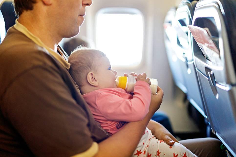 20 советов для авиапутешествия с малышом в самолете