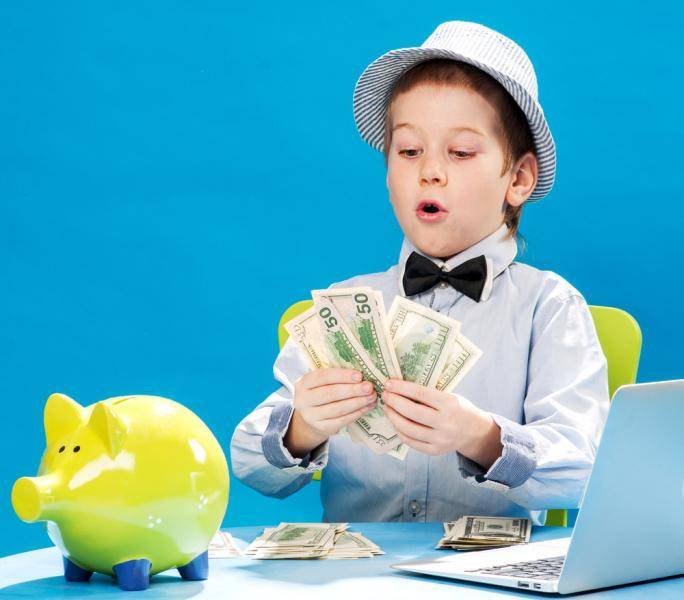 Дети и карманные деньги: как научить ребенка правильно относиться к деньгам