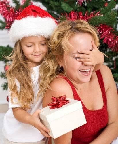 Прежде чем покупать подарок ребенку, стоит задуматься: психолог рассказала о правиле четырех даров и дала советы родителям