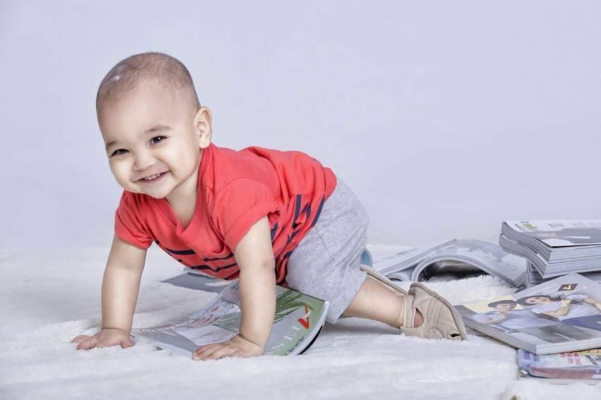 Чтобы ребенок начал ползать: 17 игр и упражнений с рождения. как ползать с ребенком