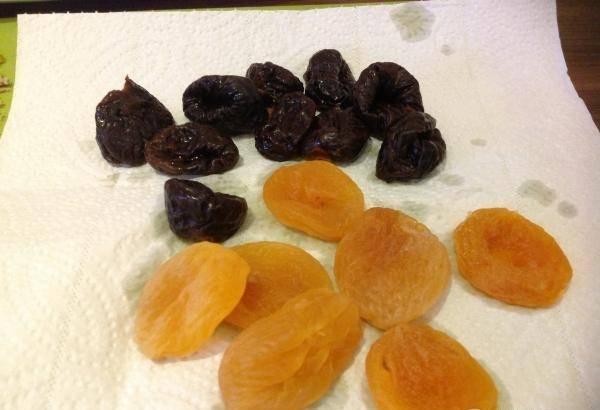 Чернослив при грудном вскармливании: можно ли кормящей маме