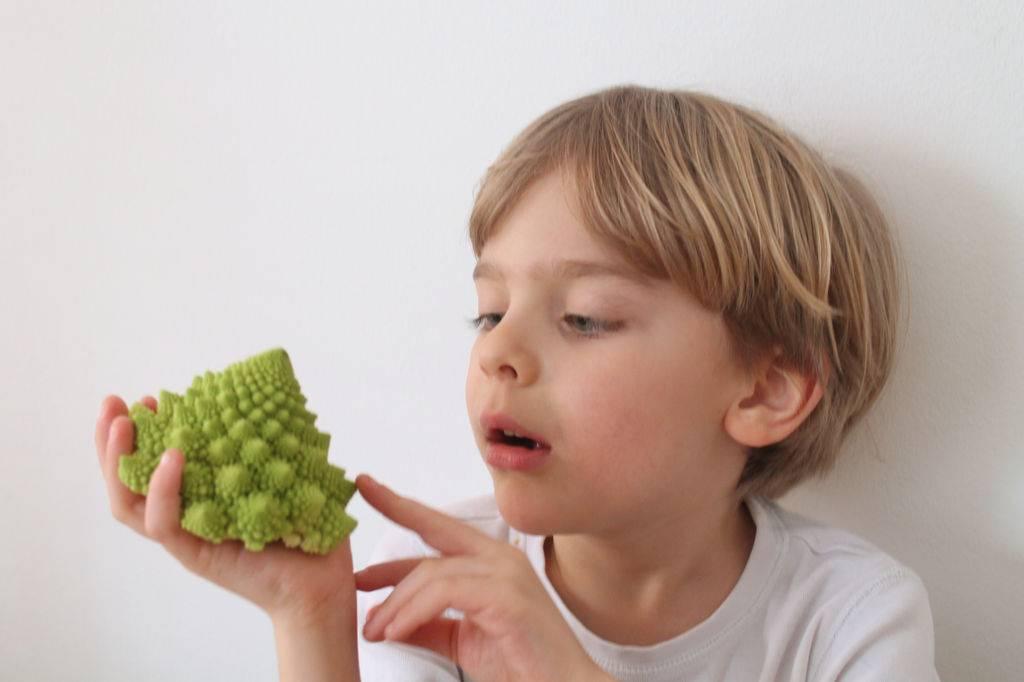 Как приучить ребенка есть овощи: 13 полезных советов
