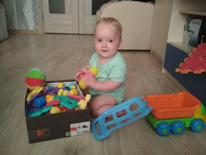 Как правильно развивать малыша в возрасте 6 месяцев?