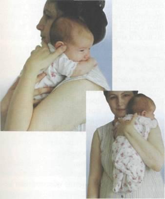 Как правильно держать новорожденного столбиком (вертикально)