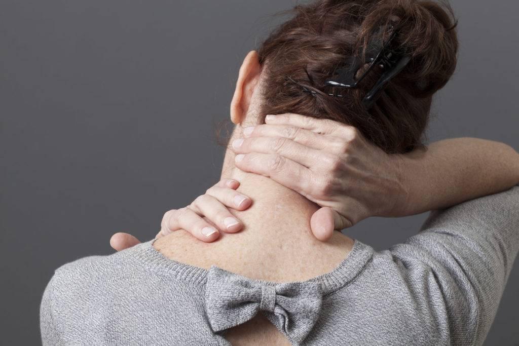 Комок в горле и трудно глотать: причины, лечение дисфагии – напоправку