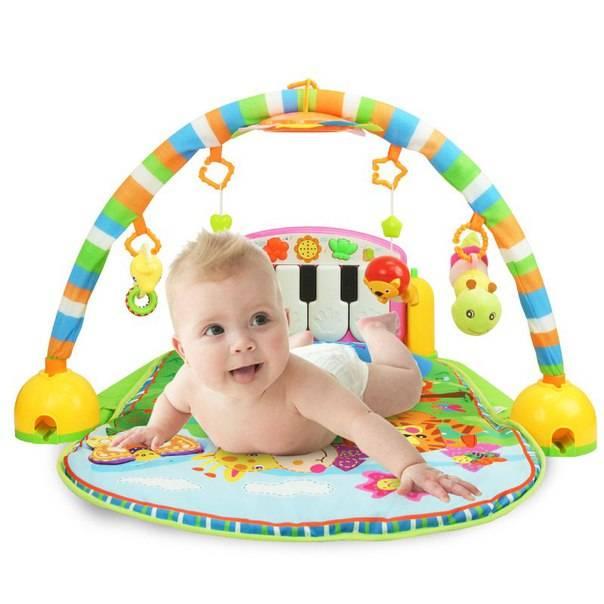 Как выбрать развивающий коврик для новорождённого