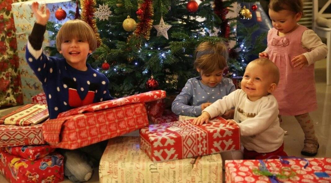 Топ-10 идей, как оригинально поздравить ребенка на новый год