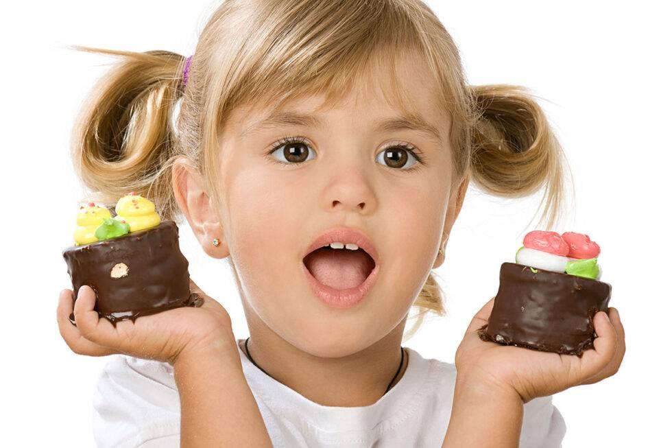 Когда можно давать ребенку сладкое
