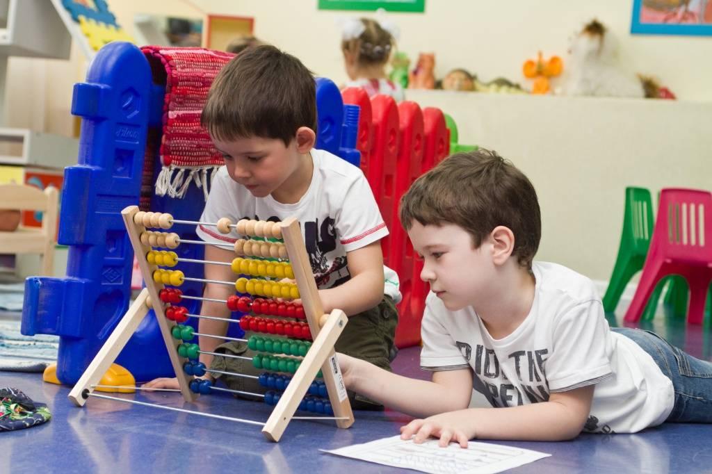 Развитие коммуникативных умений детей дошкольного возраста в игровой деятельности. воспитателям детских садов, школьным учителям и педагогам - маам.ру