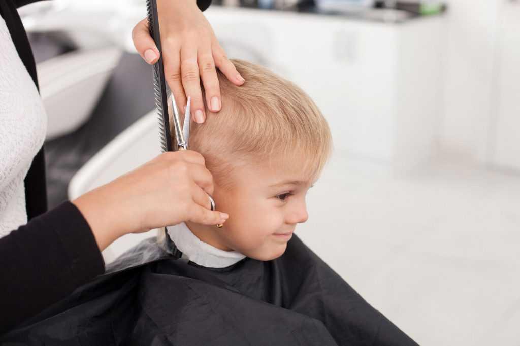 Можно ли до года стричь ребенку волосы? первая стрижка малыша. почему нельзя этого делать? народные традиции