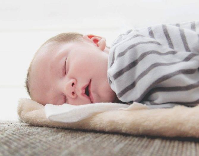 Грудной ребенок плохо спит днем