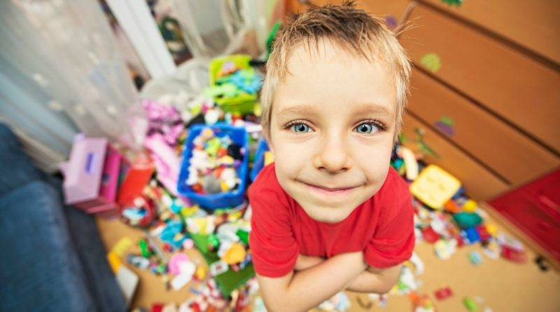 Почему дети ломают игрушки