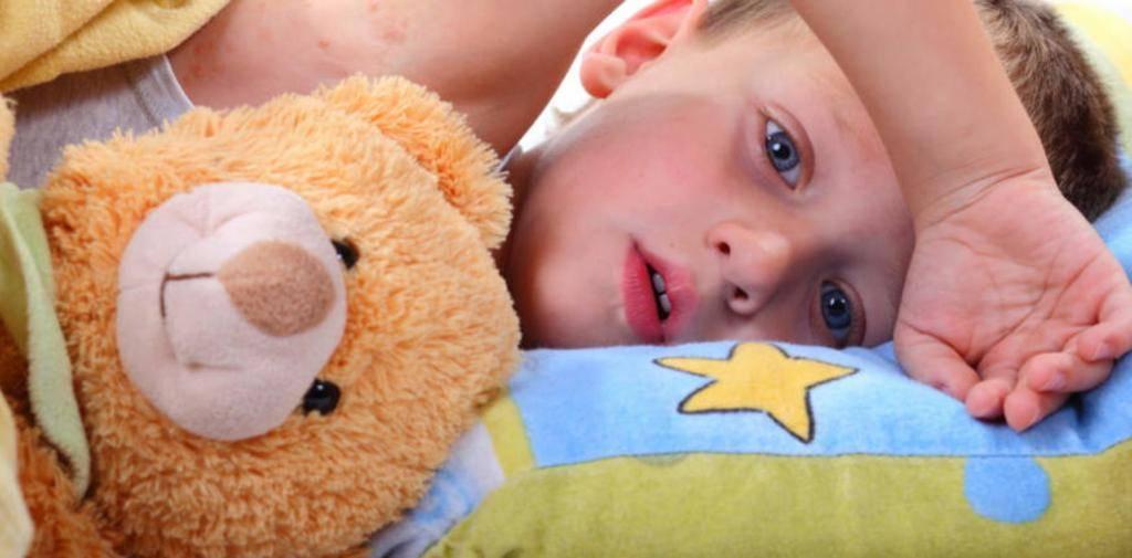 Как быстро уложить ребёнка спать без слёз и нервов: авторские методики и советы доктора комаровского. как быстро уложить ребенка спать без слез?