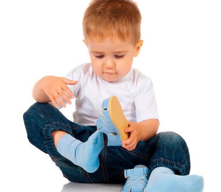Как научить ребенка одеваться: простые советы