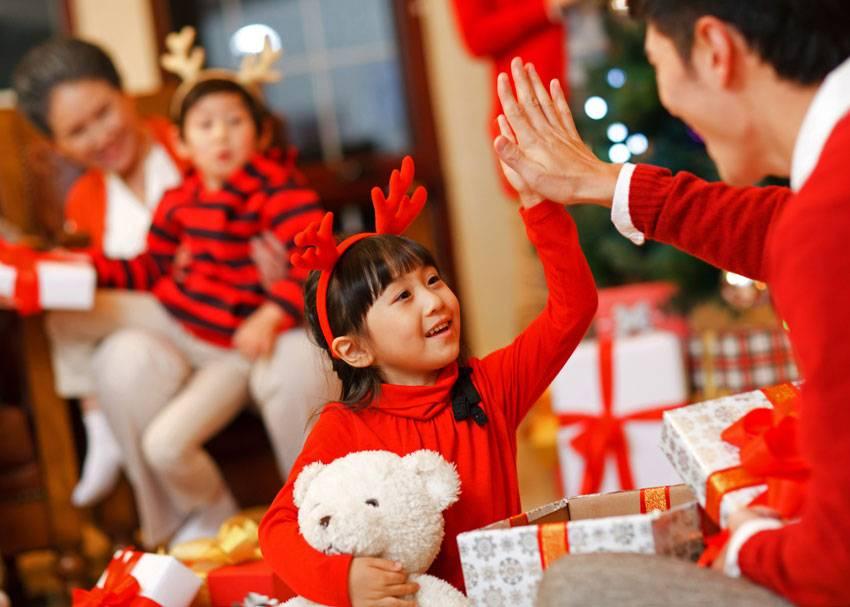 Детские новогодние игры и конкурсы: 51 вариант