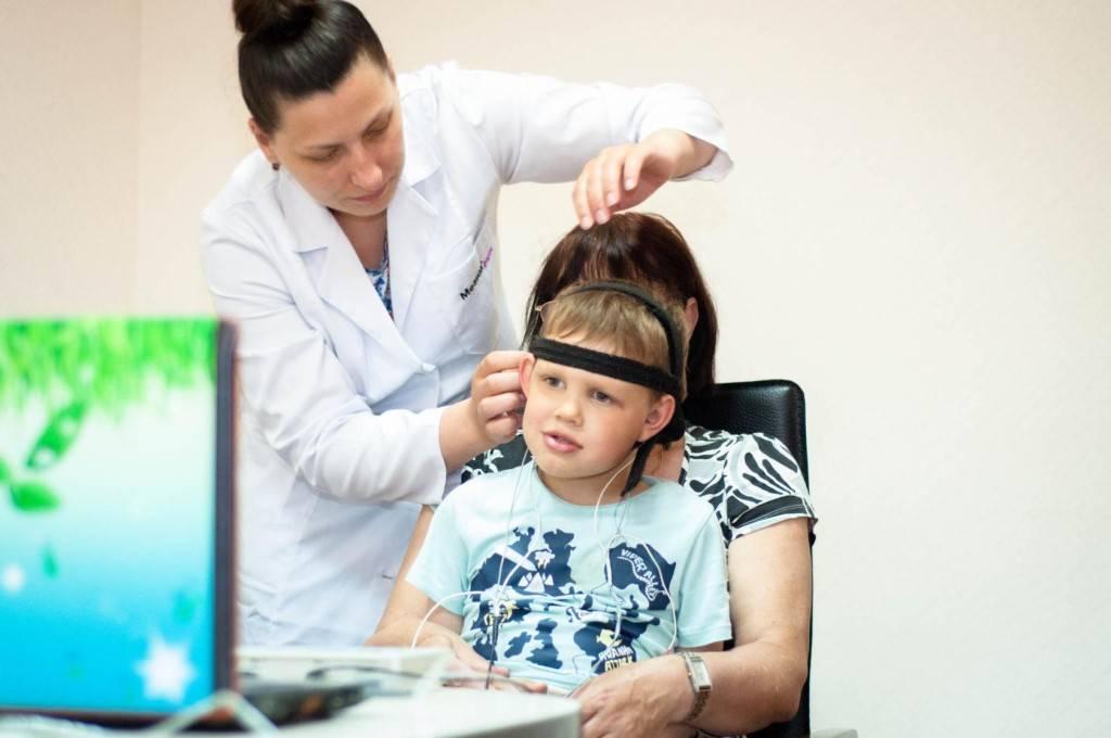 Хорошо бы малышу «поджечь голову»: правда и мифы о микрополяризации