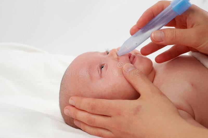 Как лечить насморк у новорожденных?