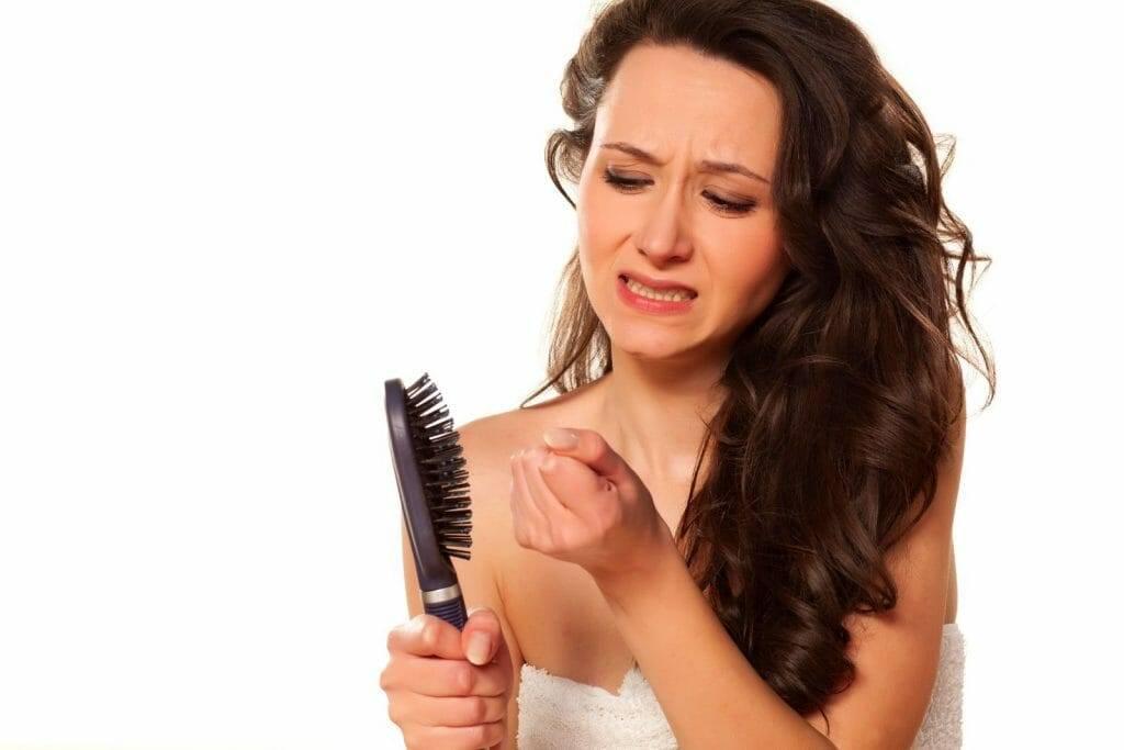 Как справиться с выпадением волос после родов и кормления грудью