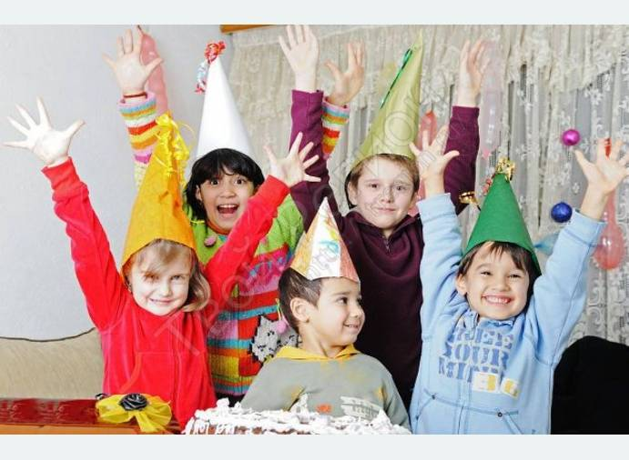 Сценарий первого дня рождения: игры, конкурсы, развлечения, приметы
