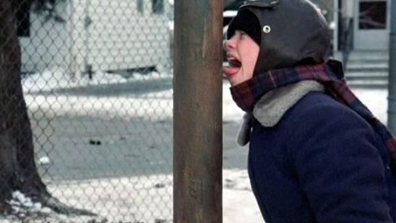 Что делать, если ребенок прилип языком к металлу?