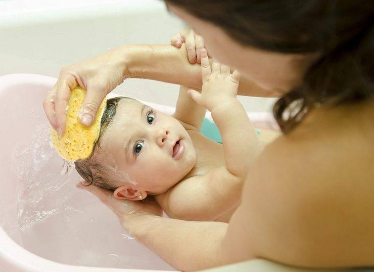 Как мыть голову новорожденному: рекомендации родителям