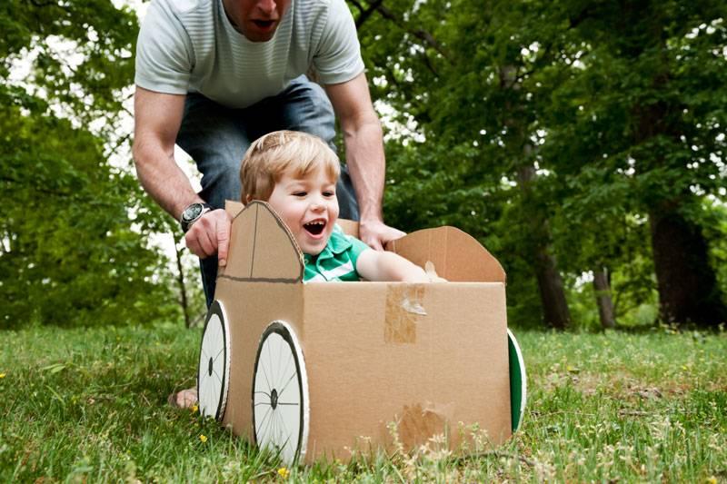 Игры с папой: чему может научить годовалого ребенка его отец через игру?